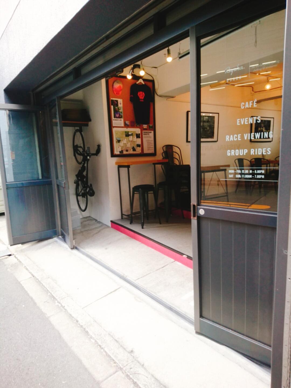 大阪,曽根崎新地,カフェ,スムージー,チーズケーキ